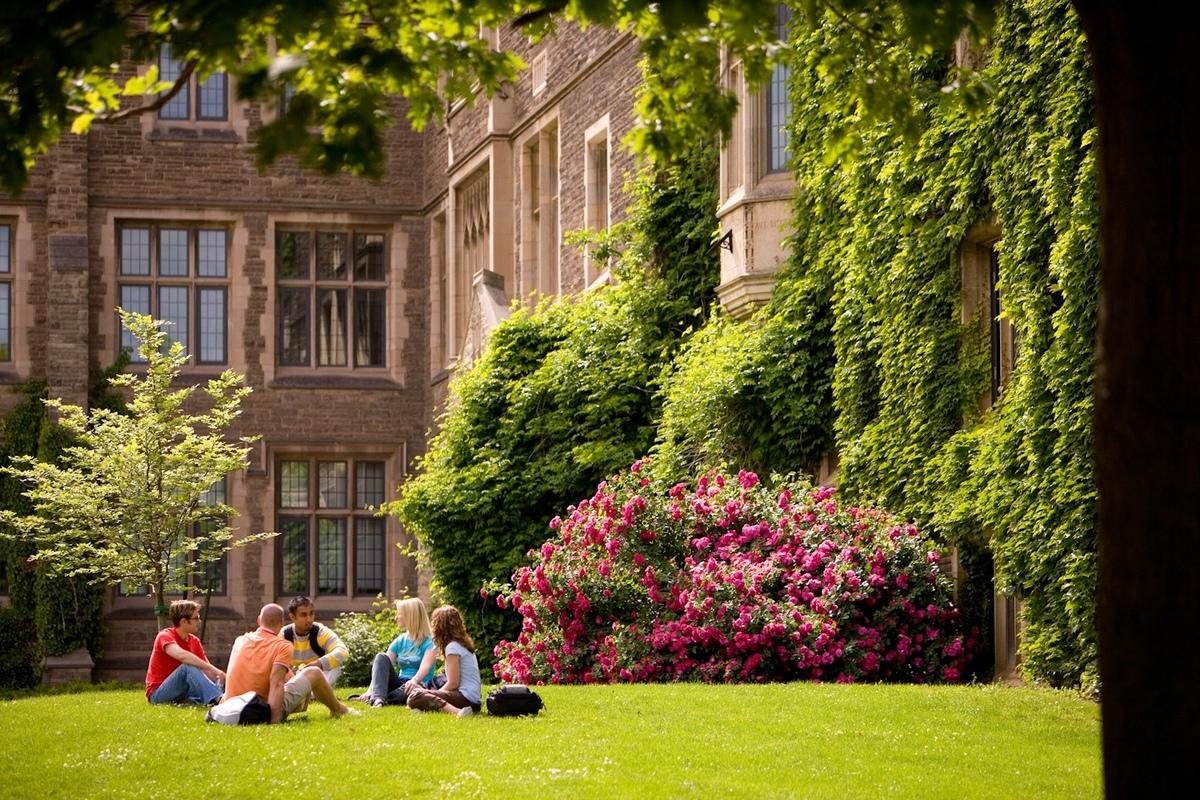 Chọn trường du học Mỹ như thế nào hợp lý?